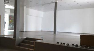 Local de 180 m2 avec parking, Saint Pierre