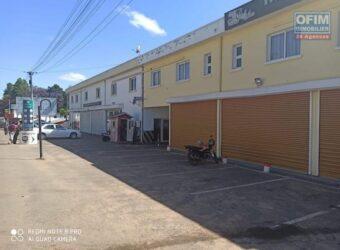 Local de 780M2 pour usage commercial ou professionnel, Ivato