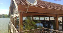 Hôtel restaurant avec piscine dotant un grand chalet, Ivato