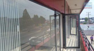Local pour bureau dans un immeuble récent, Ambohibao